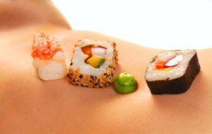 Fazer sexo e comer Sushi